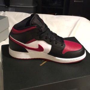 Air Jordan Mid 1 (GS)